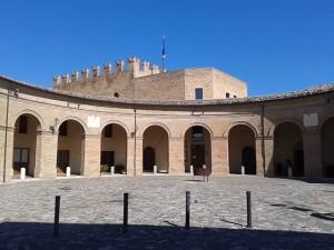 Piazza Mondaino