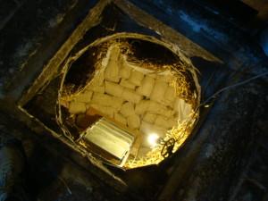 04 caliamo i sacchi di formaggio